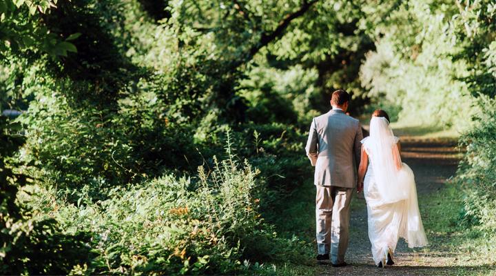 12 Frugal Wedding Hacks